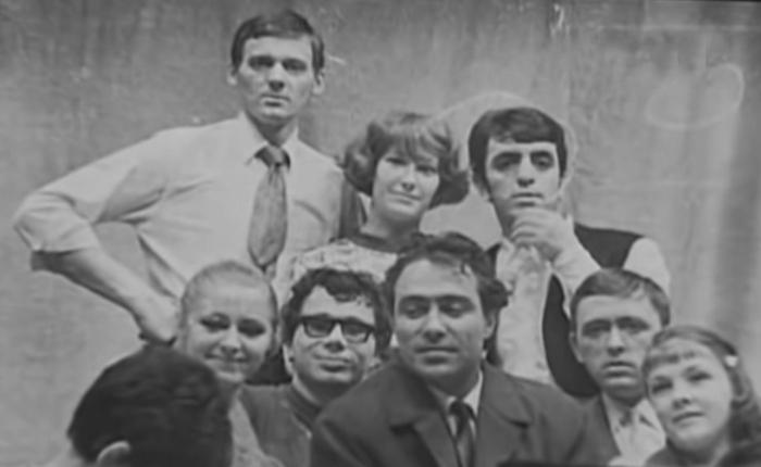 Алла Пугачёва и Миколас Орбакас (слева в верхнем ряду) . / Фото: www.metronews.ru