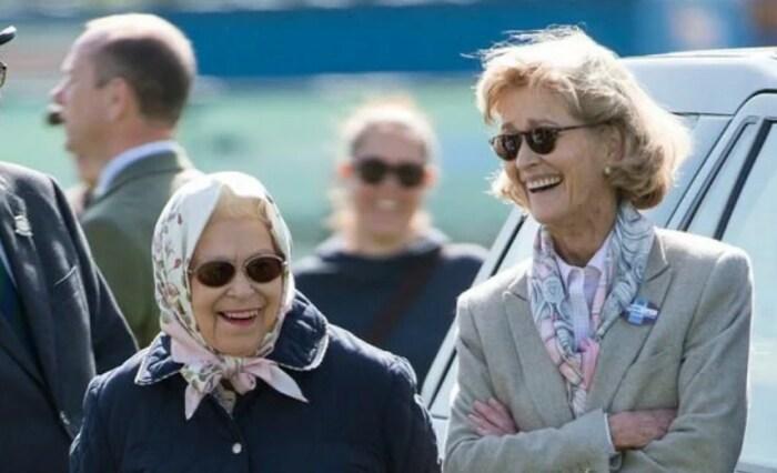 Пенелопа Нэтчбулл и Елизавета II. / Фото: www.express.co.uk