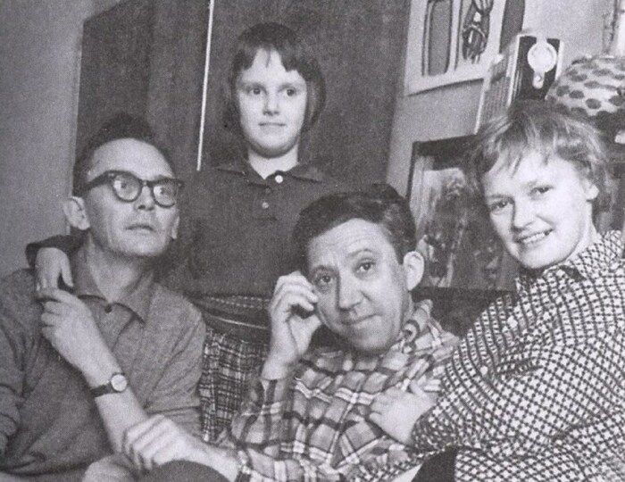 Леонид Гайдай, Оксана, Юрий Никулин и Нина Гребешкова. / Фото: www.myseldon.com