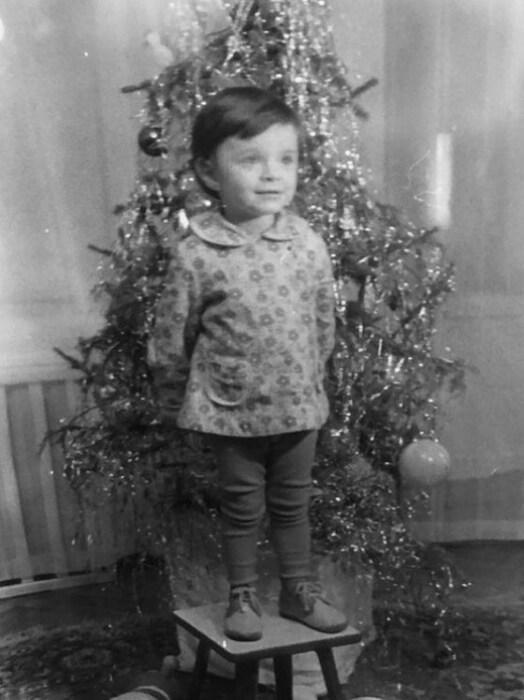 Елена Хрулёва в детстве. / Фото: www.instagram.com