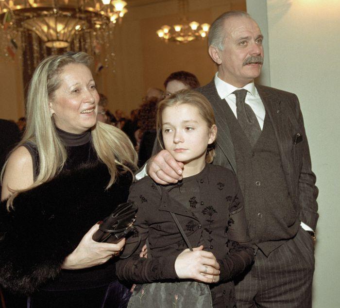 Надежда Михалкова с родителями. / Фото: www.visualrian.ru