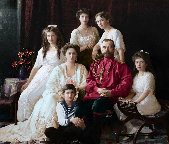 Царская семья. / Фото: www.fotostrana.ru