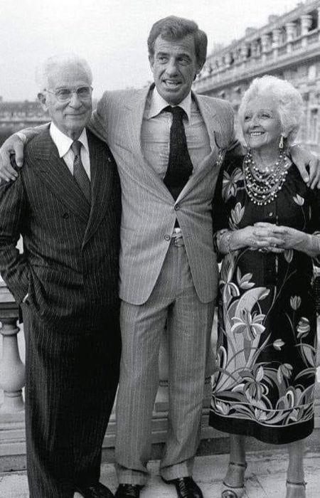 Жан-Поль Бельмондо с родителями. / Фото: www.pinimg.com