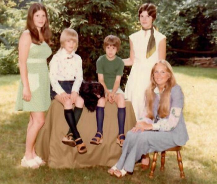Джилл Байден (крайняя справа) со своими сестрами (слева) Бонни, Келли, Кимми и Джен. / Фото: www.inquirer.com