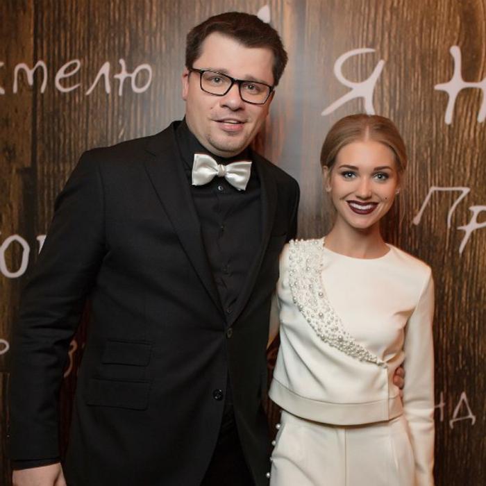 Гарик Харламов и Кристина Асмус. / Фото: www.ruposters.ru