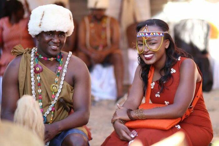 Мужчина в Кении обязан после свадьбы  примерить на себя женский наряд. / Фото: www.svadebka.ws