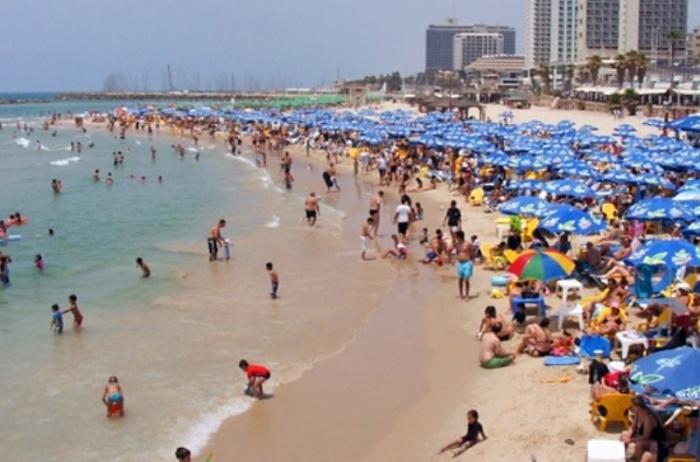В тот день на пляже было очень многолюдно. / Фото: www.wiki-turizm.ru