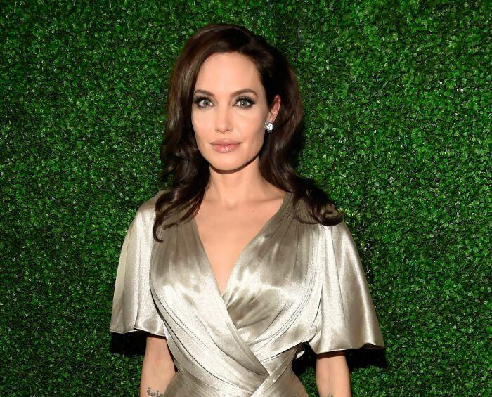 Анджелина Джоли. / Фото: www.pinimg.com