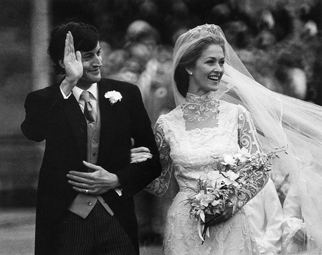 Пенелопа Нэтчбулл с мужем в день свадьбы. / Фото: www.hellomagazine.com