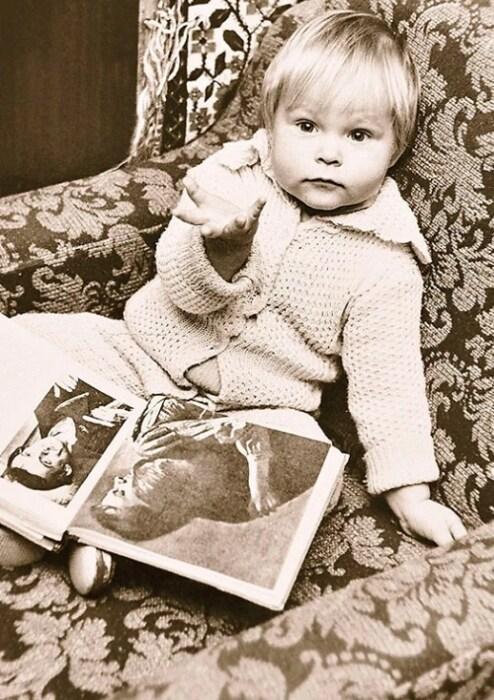 Валерия Листьева в детстве. / Фото: www.love-psy.ru