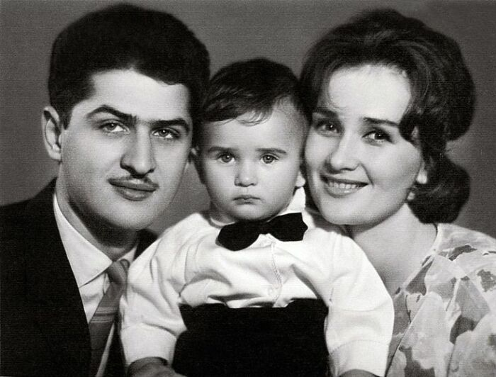 Зинаида Кириенко и Валерий Тарасевский с сыном. / Фото: www.pinterest.com