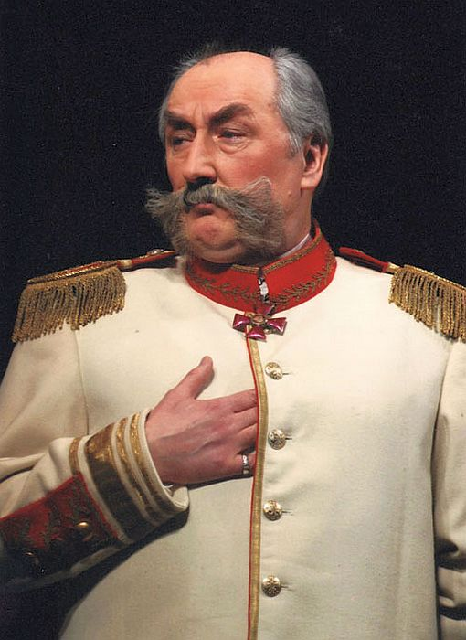 Борис Клюев в спектакле «На всякого мудреца довольно простоты». / Фото: www.wikimedia.org