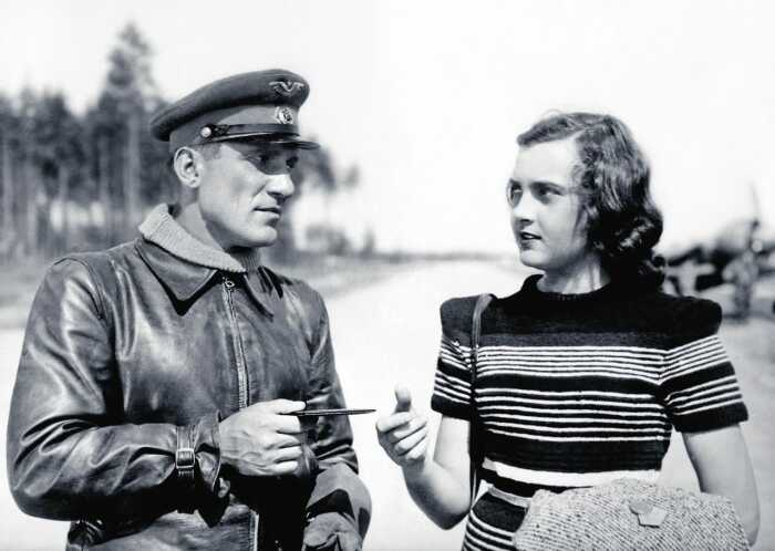 Николай Крючков и Алла Парфаньяк. / Фото: www.kioskplus.ru