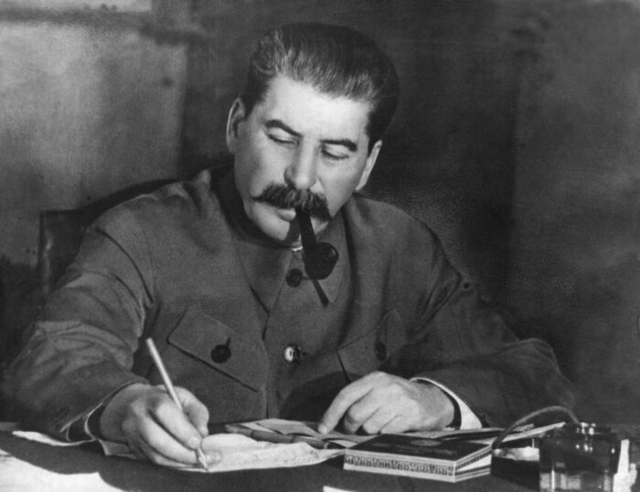 Сталин. / Фото: www.velarix.net