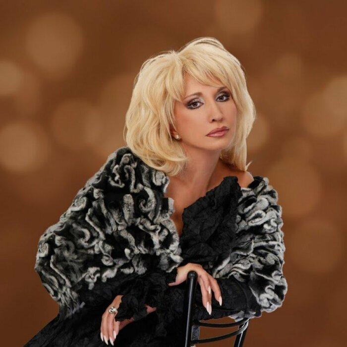 Ирина Аллегрова. / Фото: www.twimg.com