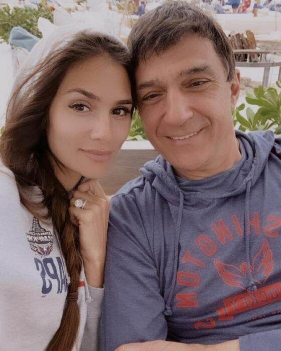 Анастасия с отцом Кириллом Шубским. / Фото: www.news.myseldon.com