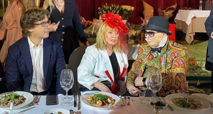 Максим Галкин и Алла Пугачёва на дне рождения Вячеслава Зайцева. / Фото: www.twimg.com