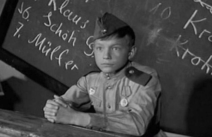 Кадр из фильма «Это было в разведке». / Фото: www.kino-teatr.ru
