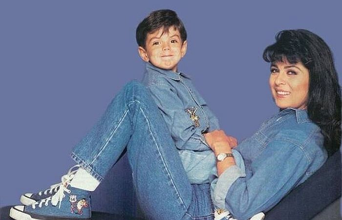 Виктория Руффо с сыном. / Фото: www.twimg.com