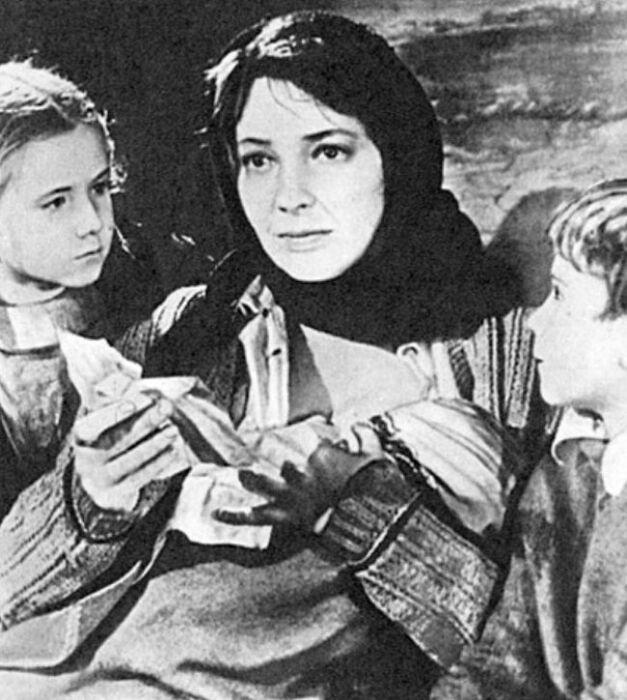 Ирина Скобцева в фильме «Аннушка». / Фото: www.kino-teatr.ru