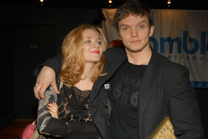 Владимир Епифанцев и Анастасия Веденская. / Фото: www.cosmo.ru