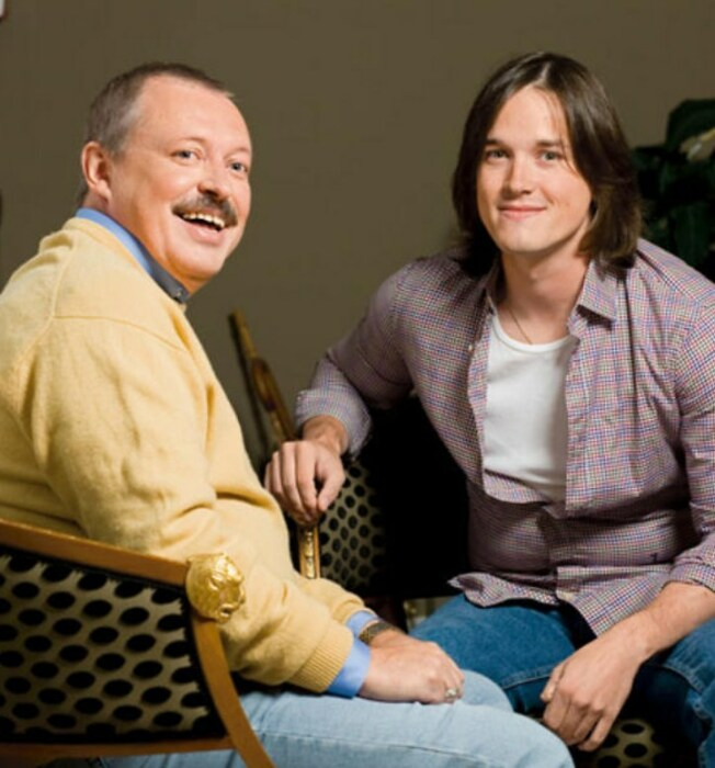 Владимир и Иван Басовы, сын и внук актрисы. / Фото: www.7days.ru