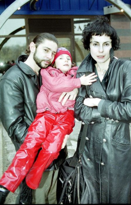 Ирина Апексимова и Валерий Николаев с дочерью. / Фото: www.starhit.ru