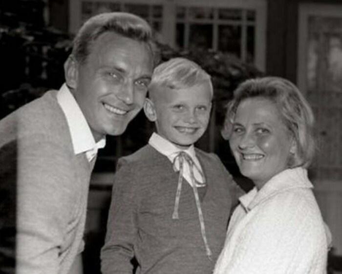 Велта Лине и Гунар Цилинский с сыном. / Фото: www.kino-teatr.ru