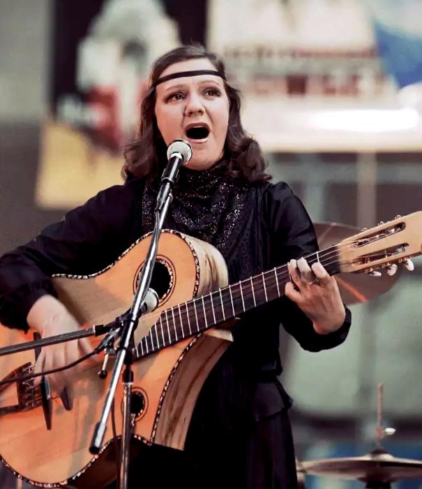 Жанна Бичевская. / Фото: www.tunnel.ru
