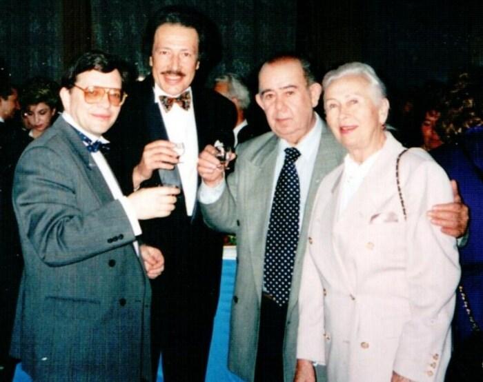 Евгений Гик, Святослав Бэлза и Борис Брунов с женой. / Фото: www.chesspro.ru