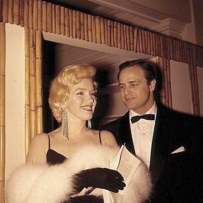 Марлон Брандо и Мэрилин Монро. / Фото: www.mygoldenlove.it