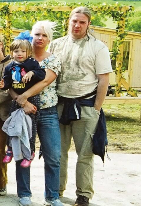 Кирилл и Татьяна Котельниковы с дочерью Алисой. / Фото: www.sensum-club.pro