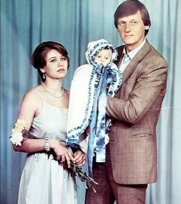 Миколас Орбакас с женой Мариной и сыном Фабианом. / Фото: www.yandex.net