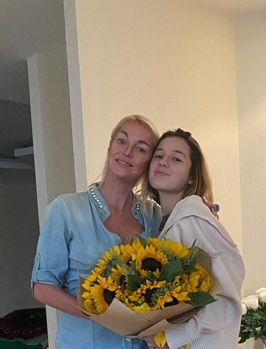 Анастасия Волочкова с дочерью. / Фото: www.instagram.com
