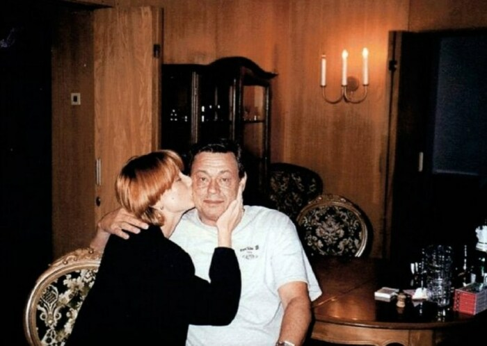 Елена Дмитриева и Николай Караченцов. / Фото: www.9kino.ru
