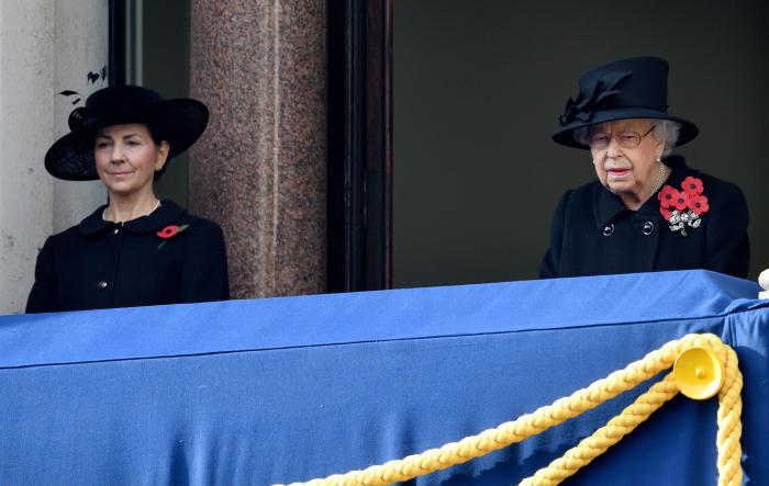 Сьюзен Родс и Елизавета II. / Фото: www.meaww.com