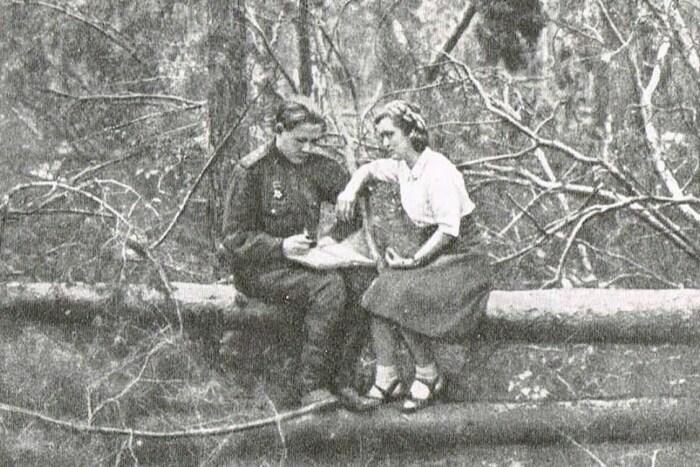 Александр Солженицын и Наталья Решетовская на фронте, 1944 год. / Фото: www.reshetovskaya.ru