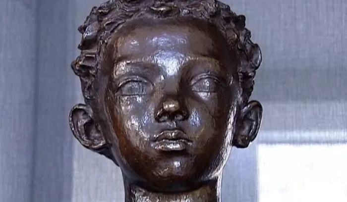 В детстве Жан-Поль Бельмондо позировал отцу. / Фото: www.francetvinfo.fr