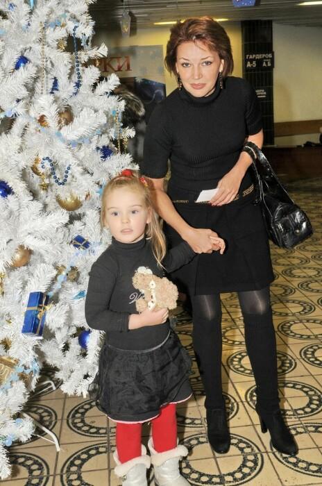 Юлия и Евгения Абдуловы. / Фото: www.woman.ru