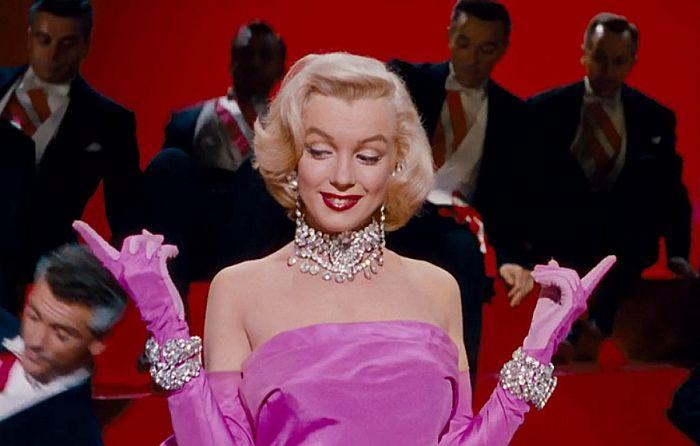 Кадр из фильма «Джентльмены предпочитают блондинок». / Фото: www.abj24.com