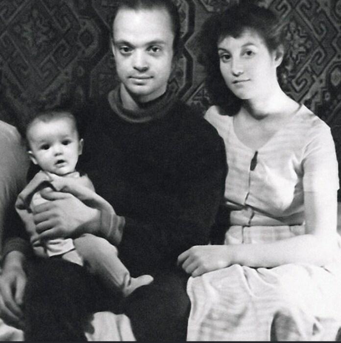 Владислав Дворжецкий с первой женой и сыном Александром. / Фото: www.infodays.ru
