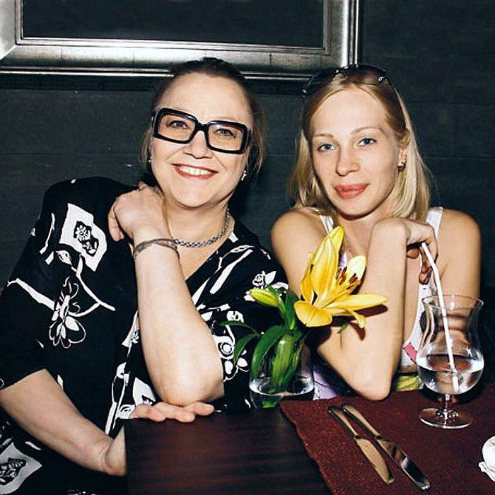 Олеся Рудакова и Нина Русланова. / Фото: www.popbio.ru