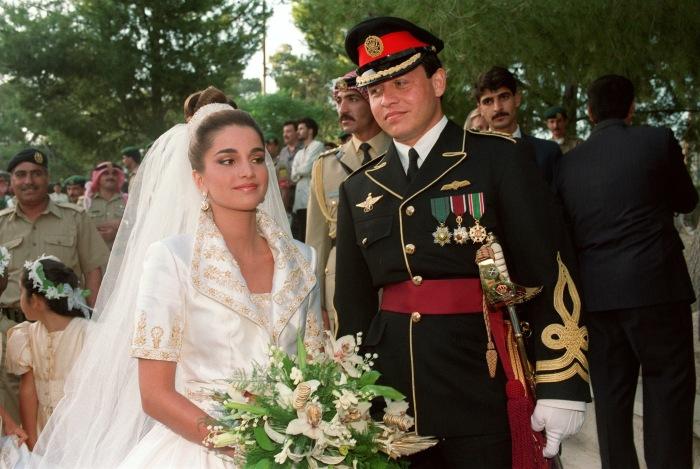 Король Иордании Абдалла II и королева Рания в день свадьбы. / Фото: www.cheatsheet.com