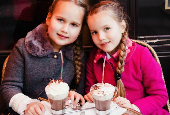 Младшие дочери Антона Табакова. / Фото: www.kakprosto.ru