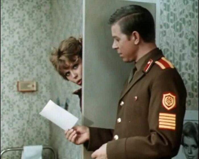 Кадр из фильма «Двое в пути». / Фото: www.kinorium.com
