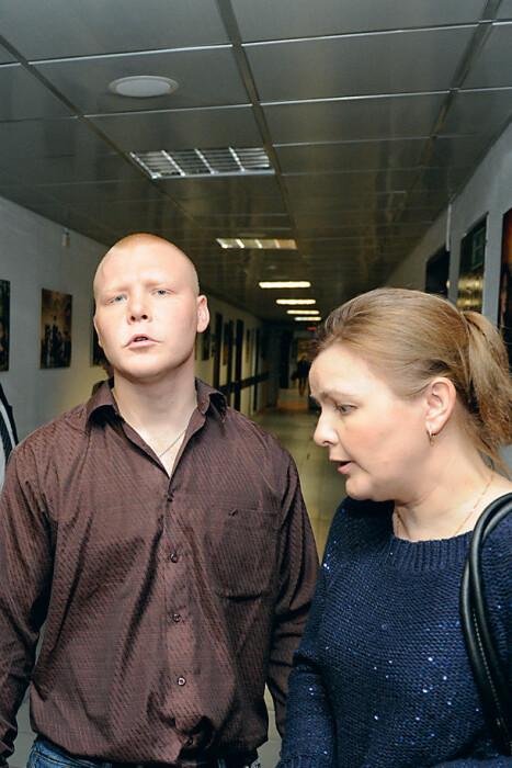 Сын актёра Павел со своей мамой Татьяной. / Фото: www.rusevik.ru