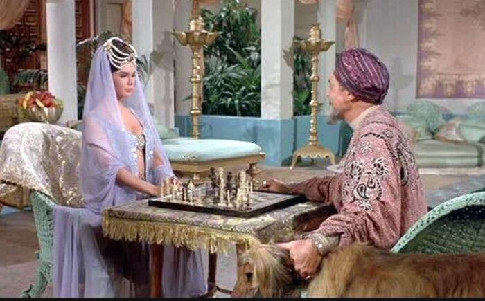 Кадр из фильма «Каникулы в гареме». / Фото: www.kinozon.tv