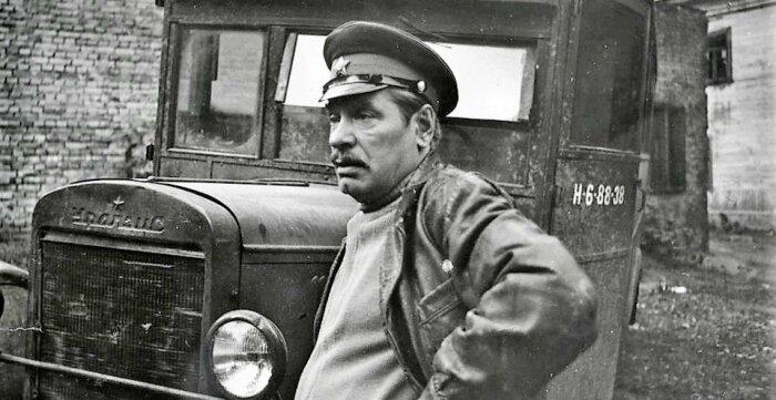 Алексей Миронов в фильме «Место встречи изменить нельзя». / Фото: www.kino-bar.com