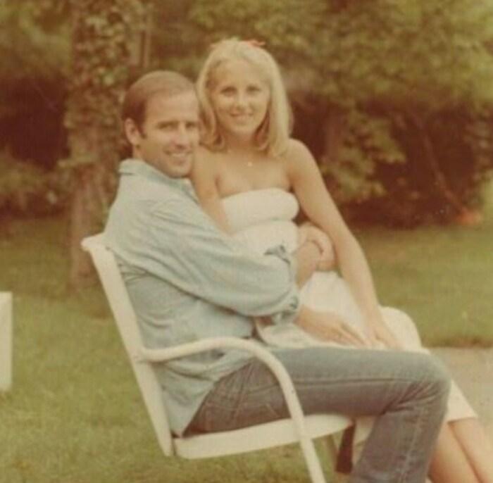Джо и Джилл Байден за год до свадьбы в 1976. / Фото: www.tatler.ru
