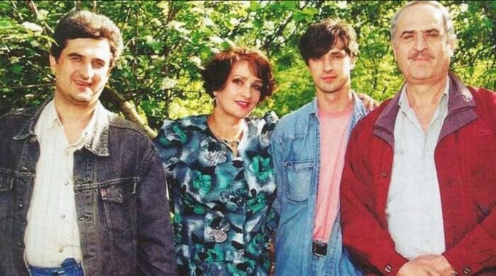 Зинаида Кириенко и Валерий Тарасевский с сыновьями. / Фото: www.yandex.net